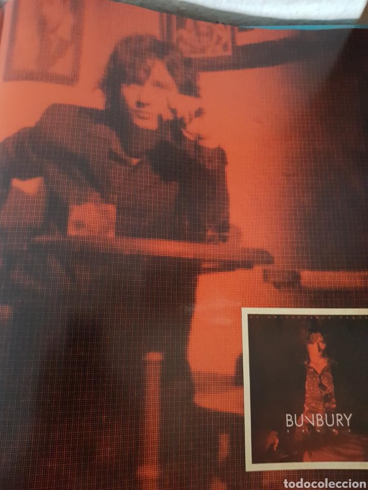Catálogos de Música: Libro Bunbury. Pequeño 20 aniversario. Tamaño vinilo, tapa dura. (Sólo el libro) - Foto 3 - 234128805