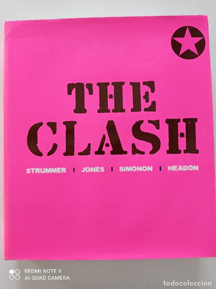THE CLASH - STRUMMER, JONES, SIMONON, HEADON - GLOBAL RHYTHM BARCELONA 2008 // EN ESPAÑOL PUNK UK (Música - Catálogos de Música, Libros y Cancioneros)