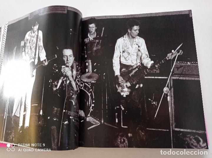 Catálogos de Música: THE CLASH - STRUMMER, JONES, SIMONON, HEADON - GLOBAL RHYTHM BARCELONA 2008 // EN ESPAÑOL PUNK UK - Foto 11 - 244933200