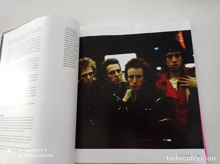 Catálogos de Música: THE CLASH - STRUMMER, JONES, SIMONON, HEADON - GLOBAL RHYTHM BARCELONA 2008 // EN ESPAÑOL PUNK UK - Foto 12 - 244933200