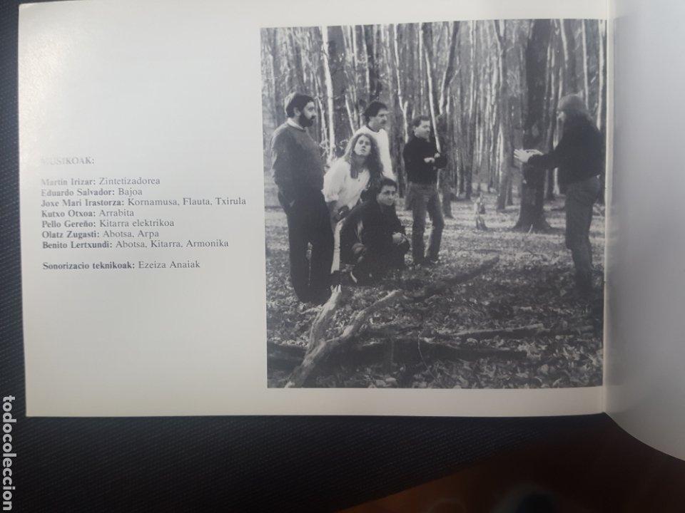 Catálogos de Música: Libreto Benito Lertxundi. Actuacion Colegio San Juan Evangelista. Madrid. 1989. 28 pags - Foto 2 - 257385945
