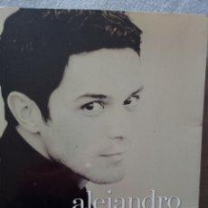 Catálogos de Música: ALEJANDRO SANZ. POR DERECHO. 288 PAGINAS.1 EDICION POR JUAN CARLOS DE LAIGLESIA. Lote 296956483