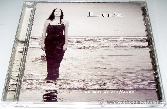 LUZ CASAL - UN MAR DE CONFIANZA - CD - 13 TRACKS - COMO NUEVO (Música - CD's Pop)