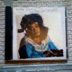 CDs de Música: CD ZORA YOUNG: TRAVELIN´ LIGHT. Lote 38521059
