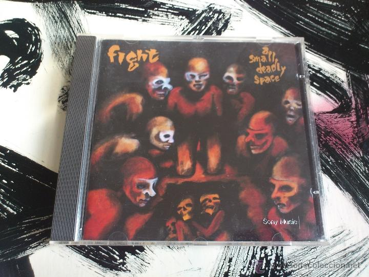 FIGHT - A SMALL DEADLY SPACE - CD ALBUM - SONY - 1995 (Música - CD's Heavy Metal)