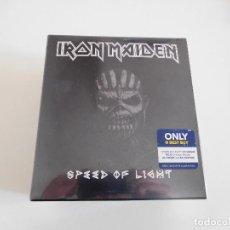 CDs de Música: IRON MAIDEN. SPEED OF LIGHT USA. CAJA PROMOCIONAL CON CD Y CAMISETA. PRECINTADO. Lote 165714537