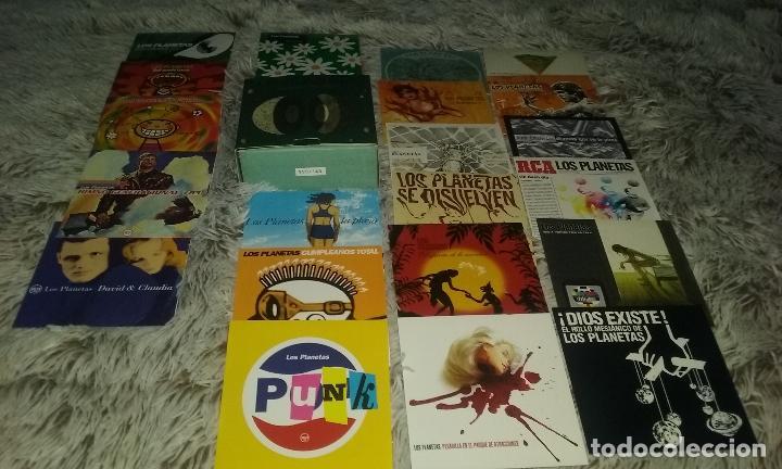 CDs de Música: CAJA BOX CDS singles LOS PLANETAS.. 22 SINGLES EN PEFECTO ESTADO. SIN USAR. CAJA NUMERADA - Foto 2 - 109017355