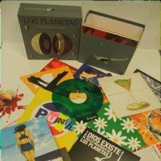 CDs de Música: LOS PLANETAS CD SINGLES 1993-2004 (EDICIÓN LIMITADA NUMERADA ( BOX SET) 999/726. Lote 109926119