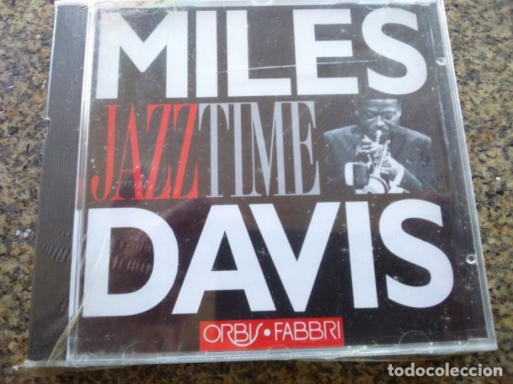 CD -- DAVIS MILES -- JAZZ TIME -- 9 TEMAS -- NUEVO -- (Música - CD's Jazz, Blues, Soul y Gospel)