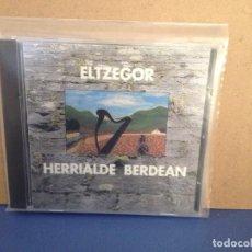 CDs de Música: ELTZEGOR - HERRIALDE BERDEAN (FOLK CELTA EUSKADI) RARO ALBUM CD 1992. NM - NM. Lote 155990402