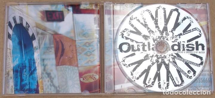 CDs de Música: OUTLANDISH - BREAD & BARRELS OF WATETR (CD) 2003 - 14 TEMAS - Foto 2 - 161391750