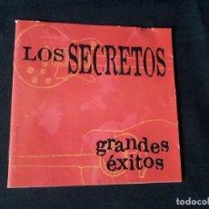 CDs de Música: ENCARTE DE CD DE LOS SECRETOS (GRANDES EXITOS) - FIRMADO POR ELLOS. Lote 167529632