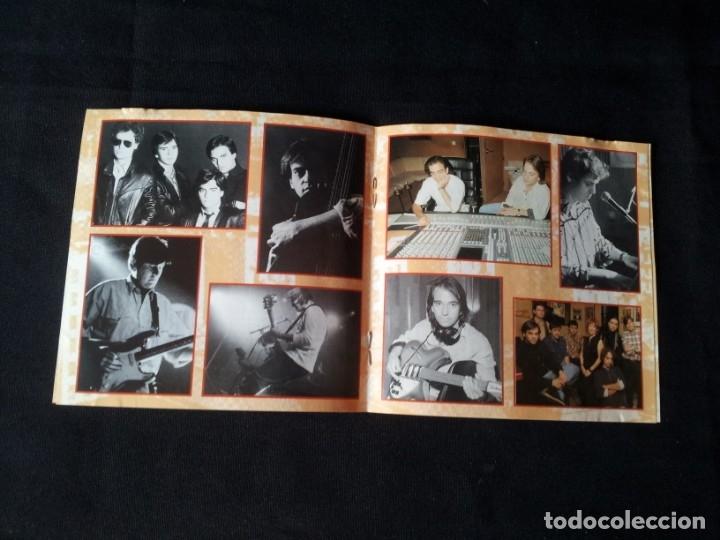 CDs de Música: ENCARTE DE CD DE LOS SECRETOS (GRANDES EXITOS) - FIRMADO POR ELLOS - Foto 3 - 167529632