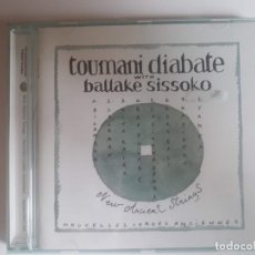 CDs de Música: CD TOUMANI DIABATE WITH BALLAKE SISSOKO - NEW ANCIENT STRINGS. Lote 176348107