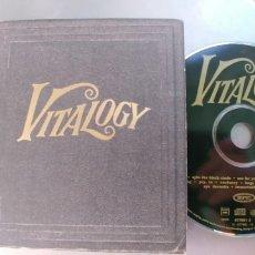 CDs de Música: PEARL JAM-CD VITALOGY-LIBRETO DE 35 PAG.. Lote 180455570