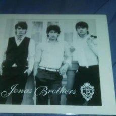 CDs de Música: CD JONAS BROTHERS JB. Lote 183627110