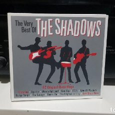 CDs de Música: TRIPLE CD THE SHADOWS (UK) – THE VERY BEST OF THE SHADOWS (2013) INSTRUMENTAL SURF MUSIC. Lote 186072190