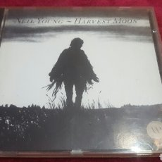 CDs de Música: NEIL YOUNG HARVEST MOON CD. Lote 195123838