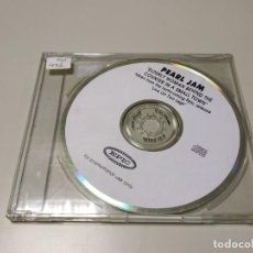 CDs de Música: 0220- PEARL JAM ELDERLY WOMAN BEHIND THE COUNTER IN A SMALL TOWN CD SINGLE PROMO. Lote 195320641