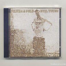CDs de Música: NEIL YOUNG SILVER & GOLD NUEVO, SIN USO CON LETRAS Y DISCOGRAFÍA. Lote 195613113