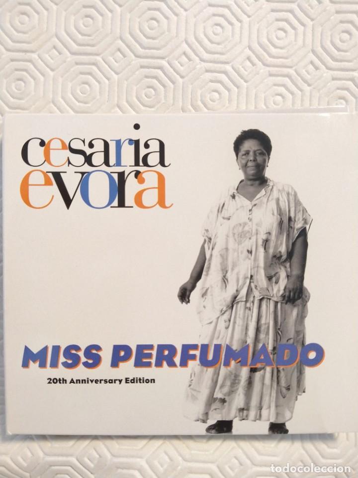 CESARIA EVORA. MISS PERFUMADO. 20TH ANNIVERSARY EDITION. DOBLE COMPACTO CON 30 MARAVILLOSOS TEMAS. (Música - CD's World Music)