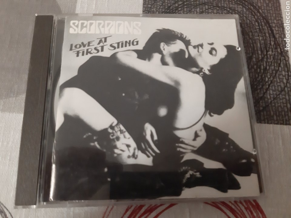 SCORPIONS. LOVE AT FIRST STING. (Música - CD's Heavy Metal)