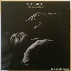 CDs de Música: THE SMITHS. THE QUEEN IS DEAD. BOX. WARNER BROS 0190295783372, UK 2017/ CAJA 3 CD + 1 DVD + LIBRETO. Lote 222589160