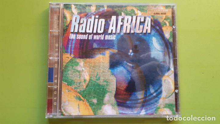 RADIO ÁFRICA - THE SOUND OF WORLD MUSIC - 2000 - COMPRA MÍNIMA 3 EUROS (Música - CD's World Music)