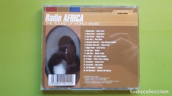 CDs de Música: RADIO ÁFRICA - THE SOUND OF WORLD MUSIC - 2000 - COMPRA MÍNIMA 3 EUROS - Foto 2 - 226596267