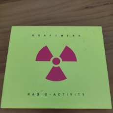 CDs de Música: CD KRAFTWERK. RADIO- ACTIVITY. CD CON SOBRECUBIERTA. Lote 227556530
