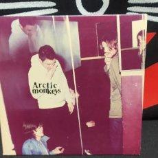 CDs de Música: ARTIC MONKEYS - HUMBUG DIGIPACK BUEN ESTADO. Lote 227752310