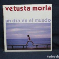 CDs de Música: VETUSTA MORLA - UN DIA EN EL MUNDO - CD. Lote 235102780