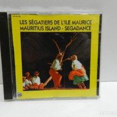 CDs de Música: DISCO CD. LES SÉGATIERS DE L'ILE MAURICE MAURITIUS ISLAND - SEGADANCE. COMPACT DISC.. Lote 244440770
