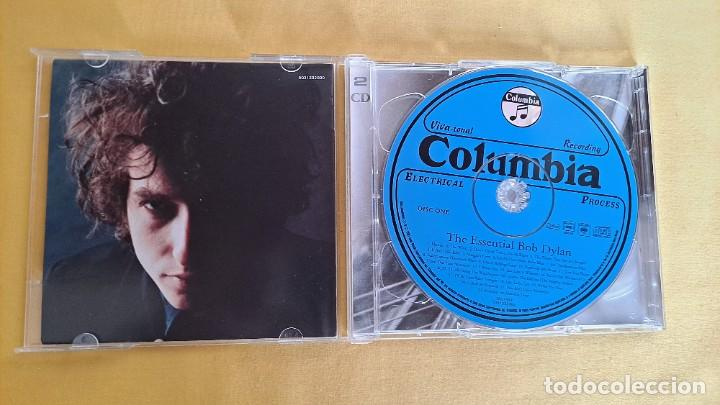 CDs de Música: BOB DYLAN - THE ESSENTIAL BOB DYLAN - DOBLE CD, COLUMBIA 2001 - Foto 3 - 246197110
