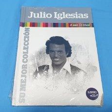 CDs de Música: LIBRO + CD JULIO IGLESIAS - A MIS 33 AÑOS - SU MEJOR COLECCIÓN. Lote 254509190