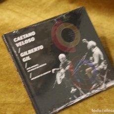 CDs de Música: CAETANO VELOSO Y GILBERTO GIL, DOS AMIGOS UN SIGLO DE MÚSICA,EN VIVO. SONY 2016.. Lote 257707345