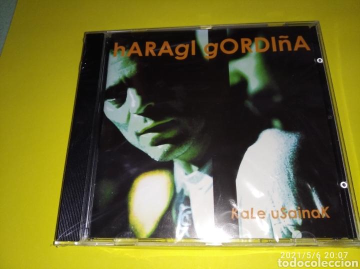 """""""HARAGI GORDIÑA KALE USAINAK""""( CD NUEVO Y PRECINTADO) 2001 (Música - CD's Rock)"""