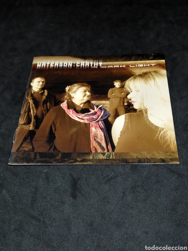 CDs de Música: WATERSON : CARTHY - A DARK LIGHT - 2002 - CD - DISCO VERIFICADO - Foto 3 - 287628763