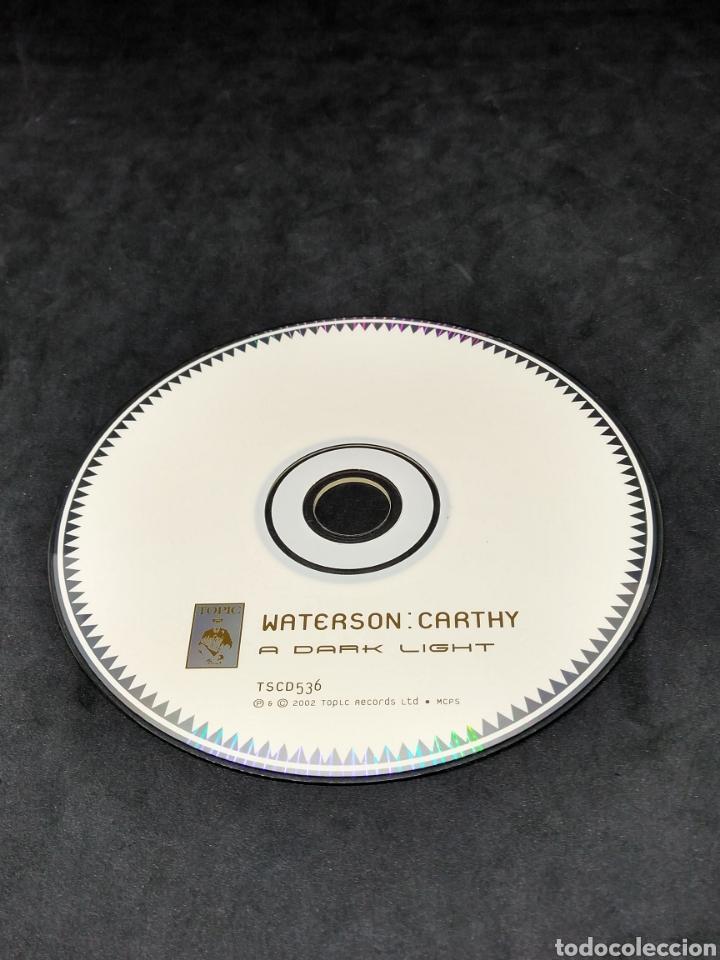 CDs de Música: WATERSON : CARTHY - A DARK LIGHT - 2002 - CD - DISCO VERIFICADO - Foto 6 - 287628763
