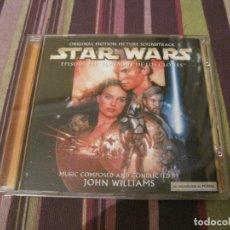 CDs de Música: CD STAR WARS AL ATAQUE DE LOS CLONES JOHN WILLIAMS CARATULA DESPLEGABLE BANDA SONORA. Lote 289674043