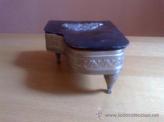 Música de colección: PIANO CAJA DE MUSICA AÑOS 60 - Foto 5 - 32127013