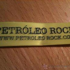 Música de colección: PULSERA ENTRADA FESTIVAL PETROLEO ROCK. Lote 33480222