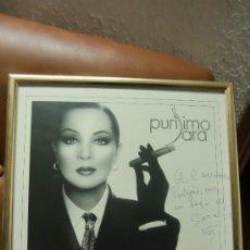 Música de colección: CUADRO CON POSTER ENMARCADO DE SARA MONTIEL FIRMADO POR PUÑO Y LETRA POR LA ARTISTA PURISIMO SARA. Lote 35844916