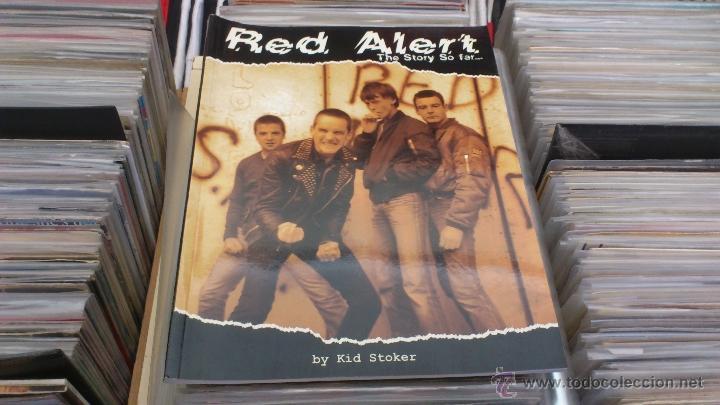 RED ALERT THE STORY SO FAR LIBRO POR KID STOKER STREET MUSIC PUBLISHING PUNK OI! SKINHEAD (Música - Varios)