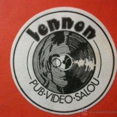 Música de colección: POSAVASOS PUB LENNON SALOU BEATLES. Lote 46789623