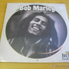 Música de colección: BOB MARLEY - CALENDARIO PARED 2015 (TAMAÑO CERRADO 30 X 30 CM). Lote 47421749