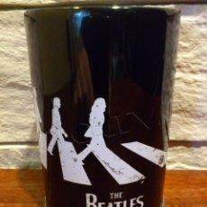 Música de colección: THE BEATLES - ABBEY ROAD - PORTALAPICES - BOTE - CUBILETE - LICENCIA APPLE CORPS LTD - METAL - NUEVO. Lote 131648193