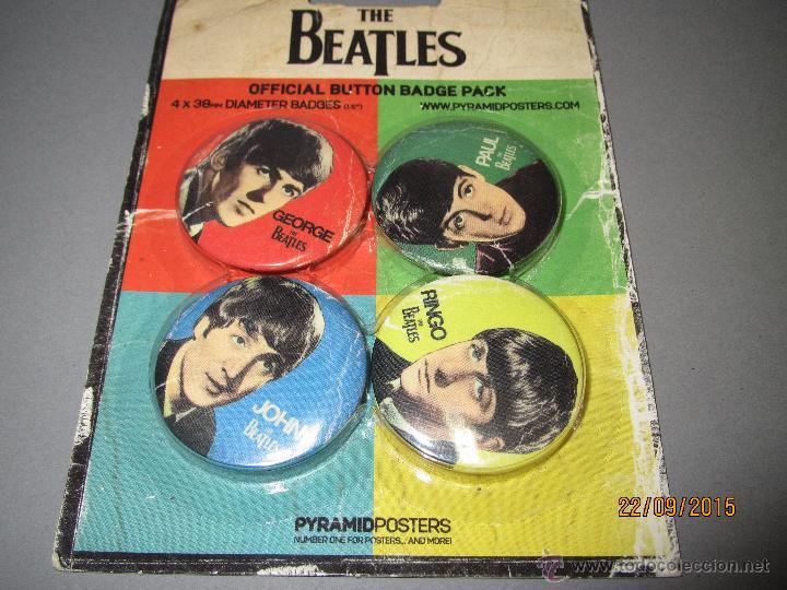 Música de colección: Antiguo Blister sin Abrir con 4 Chapas de Imperdible de THE BEATLES 4 cm. de Diametro. - Foto 2 - 51479106