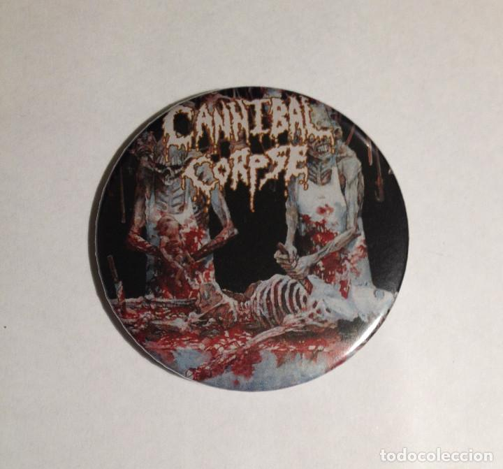 CANNIBAL CORPSE - BUTCHERED AT BIRTH CHAPA 59MM (CON IMPERDIBLE) - DEATH METAL (Música - Varios)