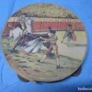 Música de colección: ANTIGUA PANDERETA DECORADA CON DIBUJOS DE TAUROMAQUIA TOROS AÑOS 40-50. Lote 103476679